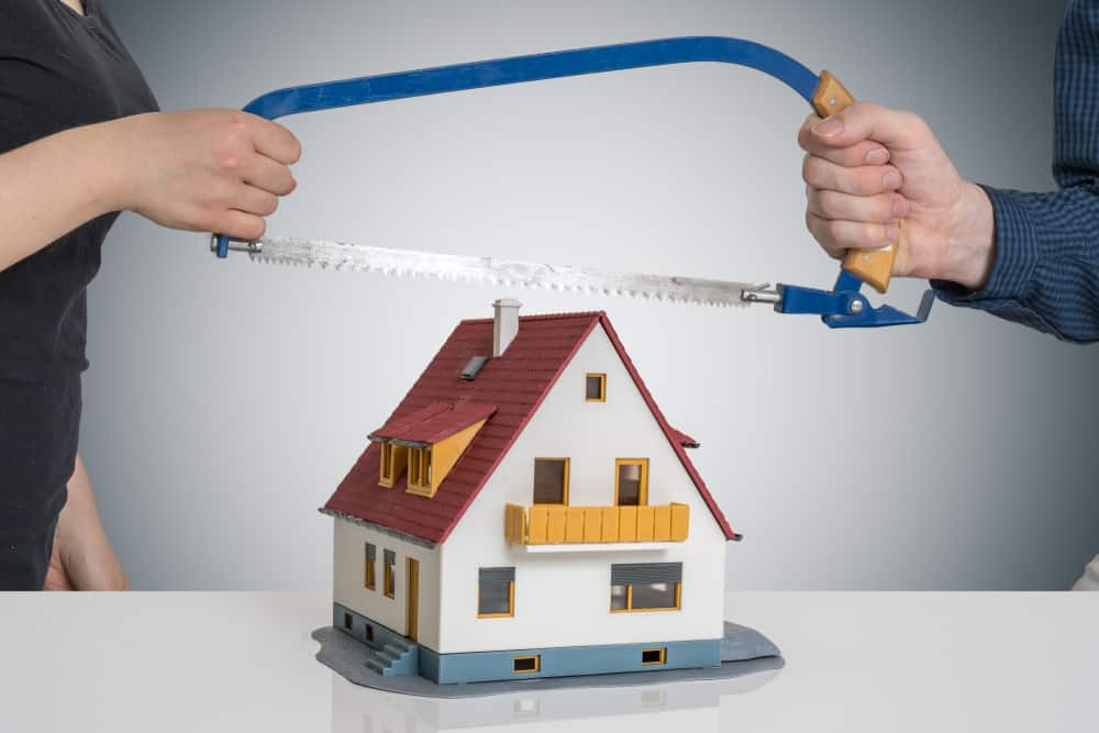Dividing house and property in divorce
