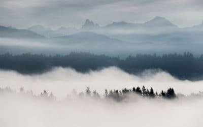 Mountain range view British Columbian