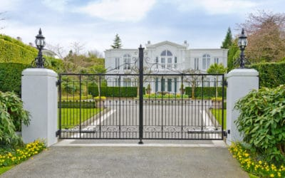 Mansion behind gates in Vancouver BC nov16-18