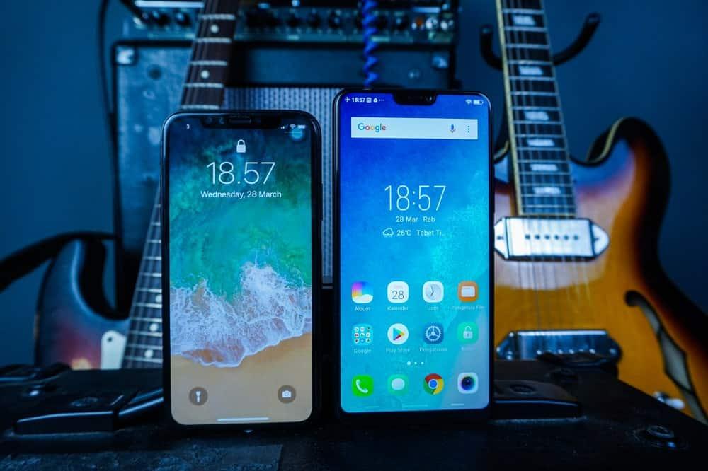 Apple phone vs Samsung phone